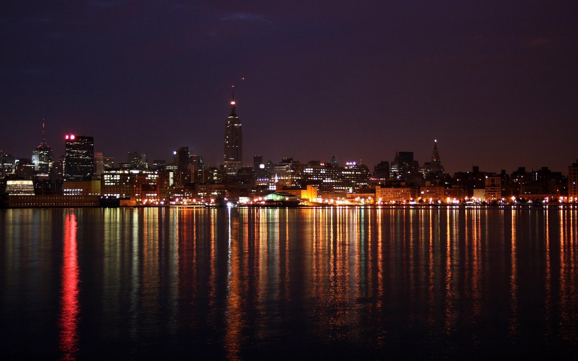 фотографии вечернего города девушек многом усиливается