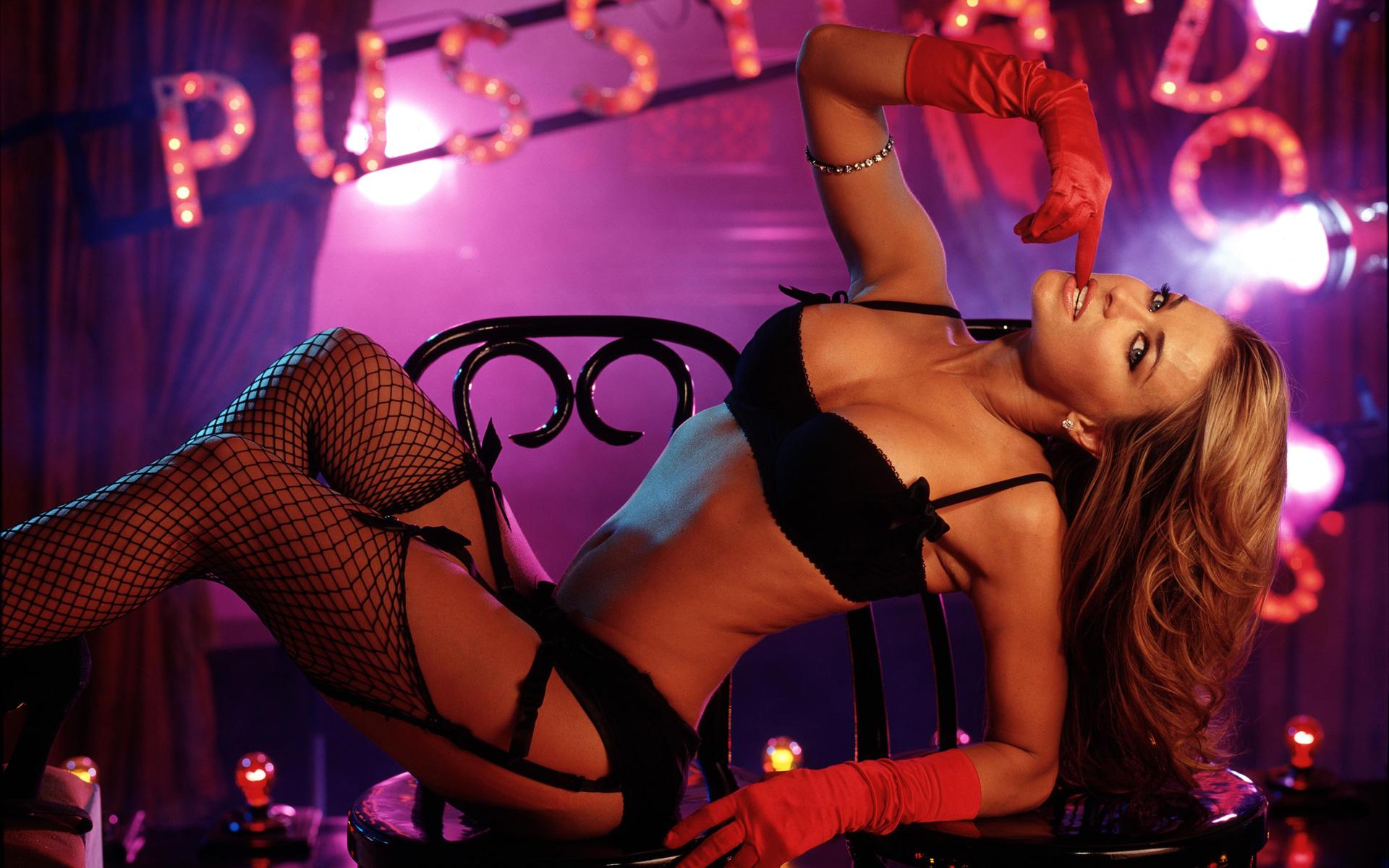 Смотреть видео в клубе танцуют без белья — photo 1