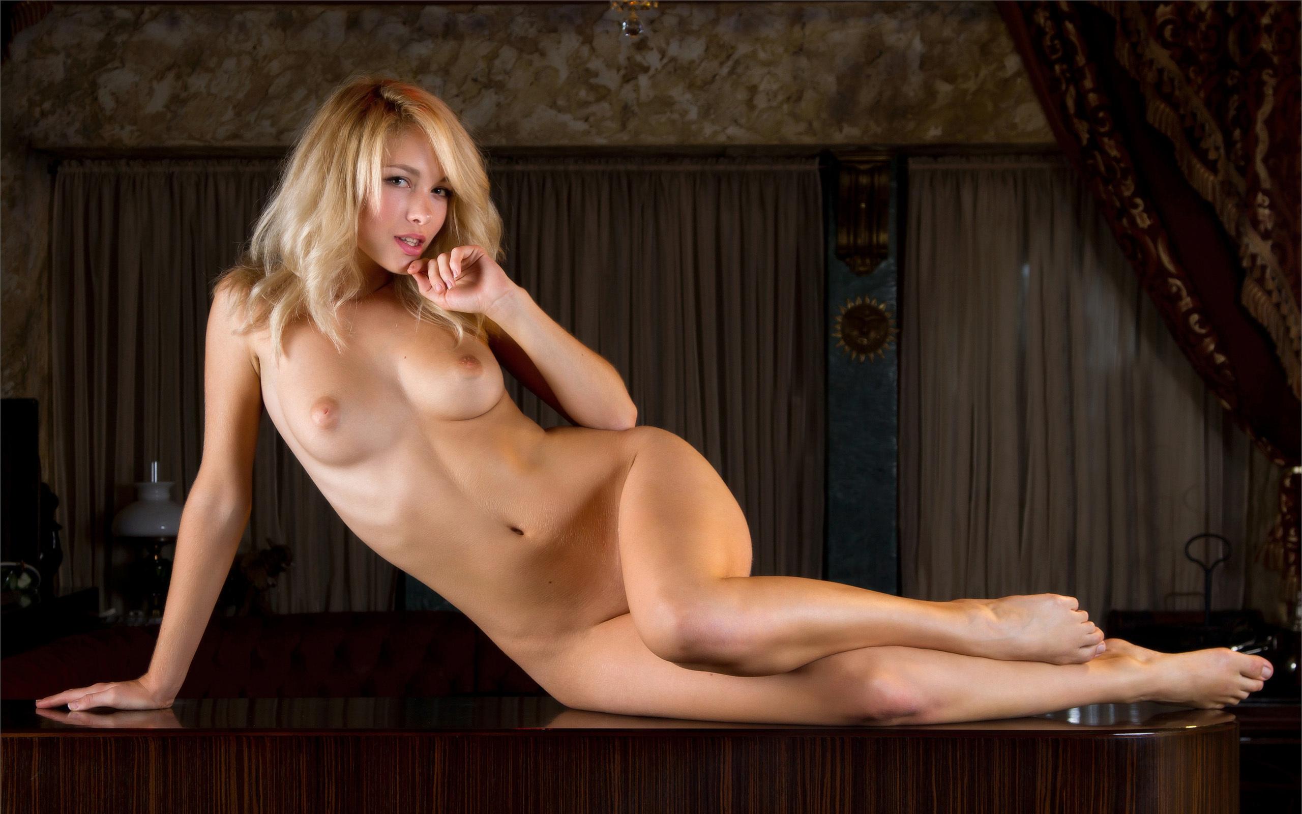 Женой эротические галереи рамблер жену выебли муж