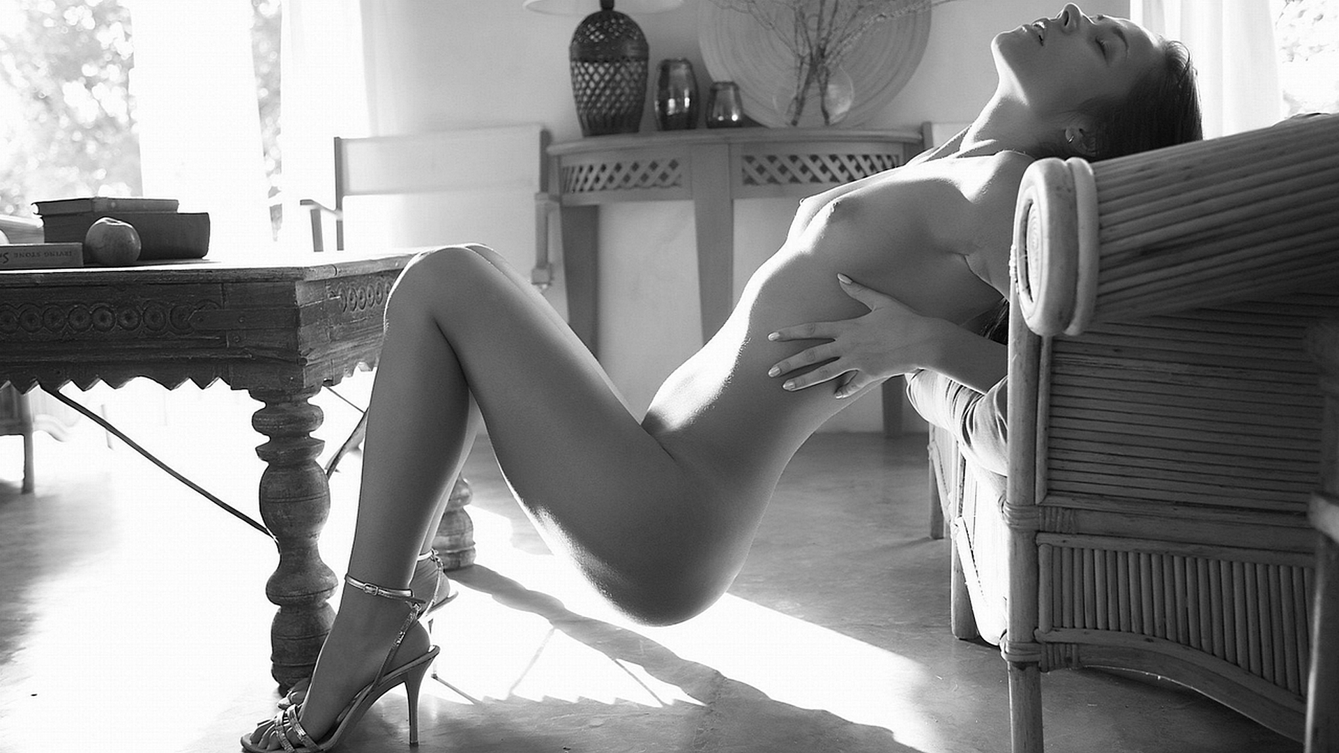 эротика за столом фото фотографии