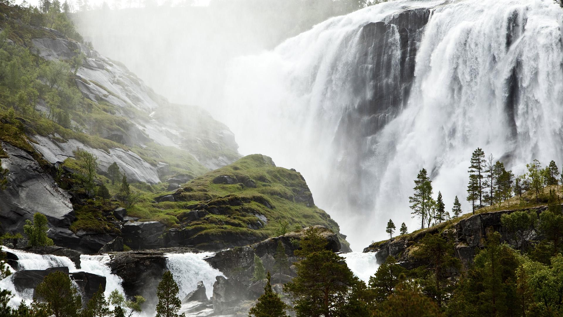 картинка на рабочий стол горы с водопадом цвет был моде