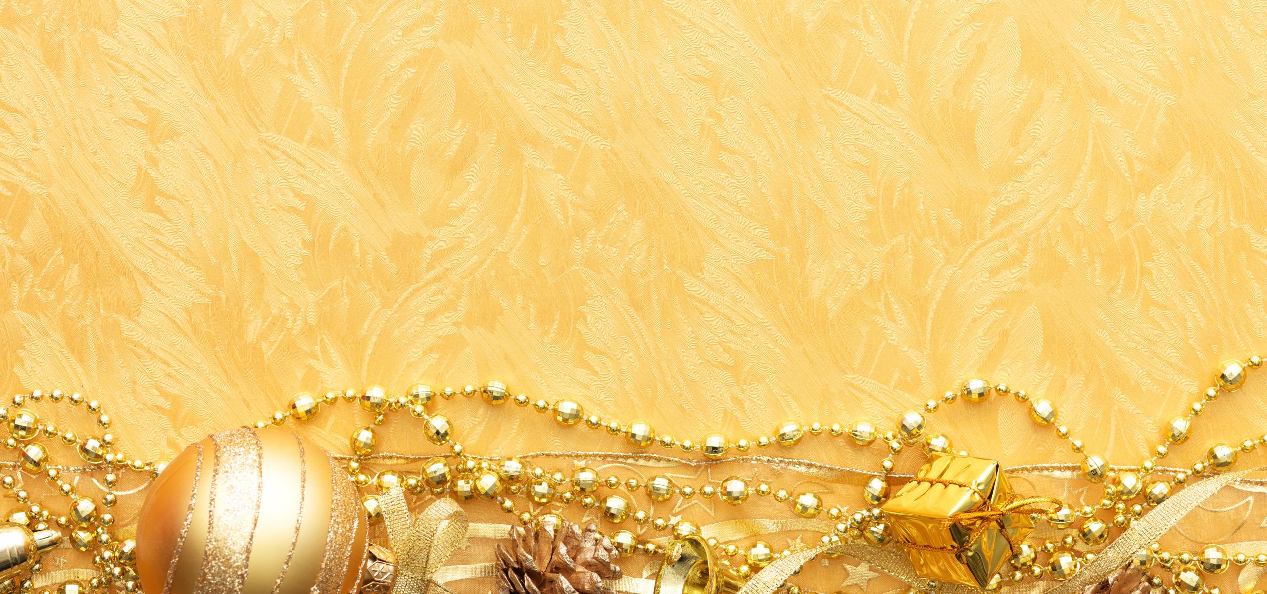 Открытка с золотым фоном 120