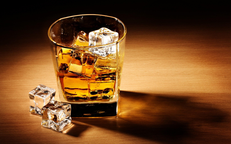 Большие обои для рабочего стола алкоголь