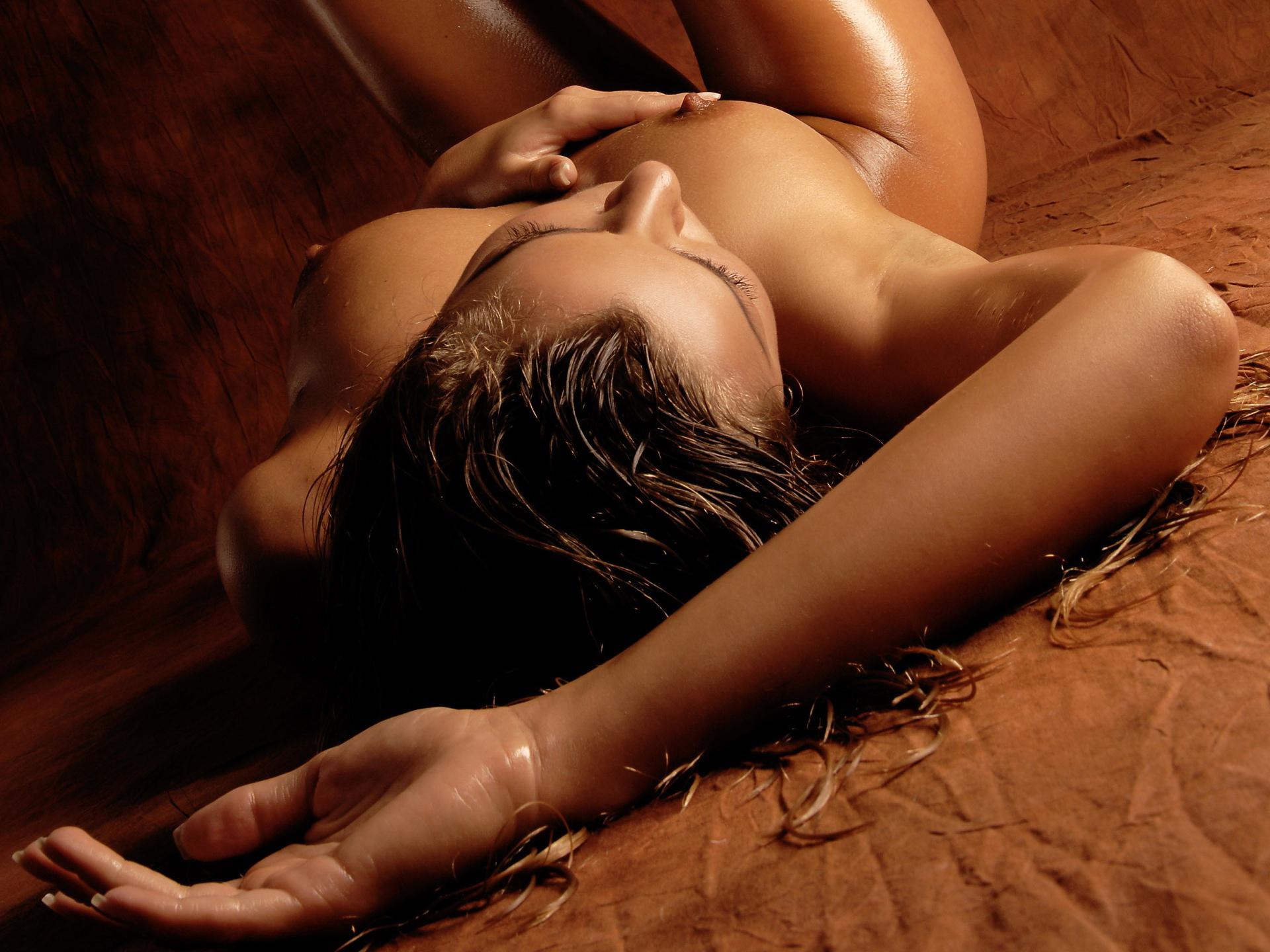 devushki-foto-kartinki-erotika
