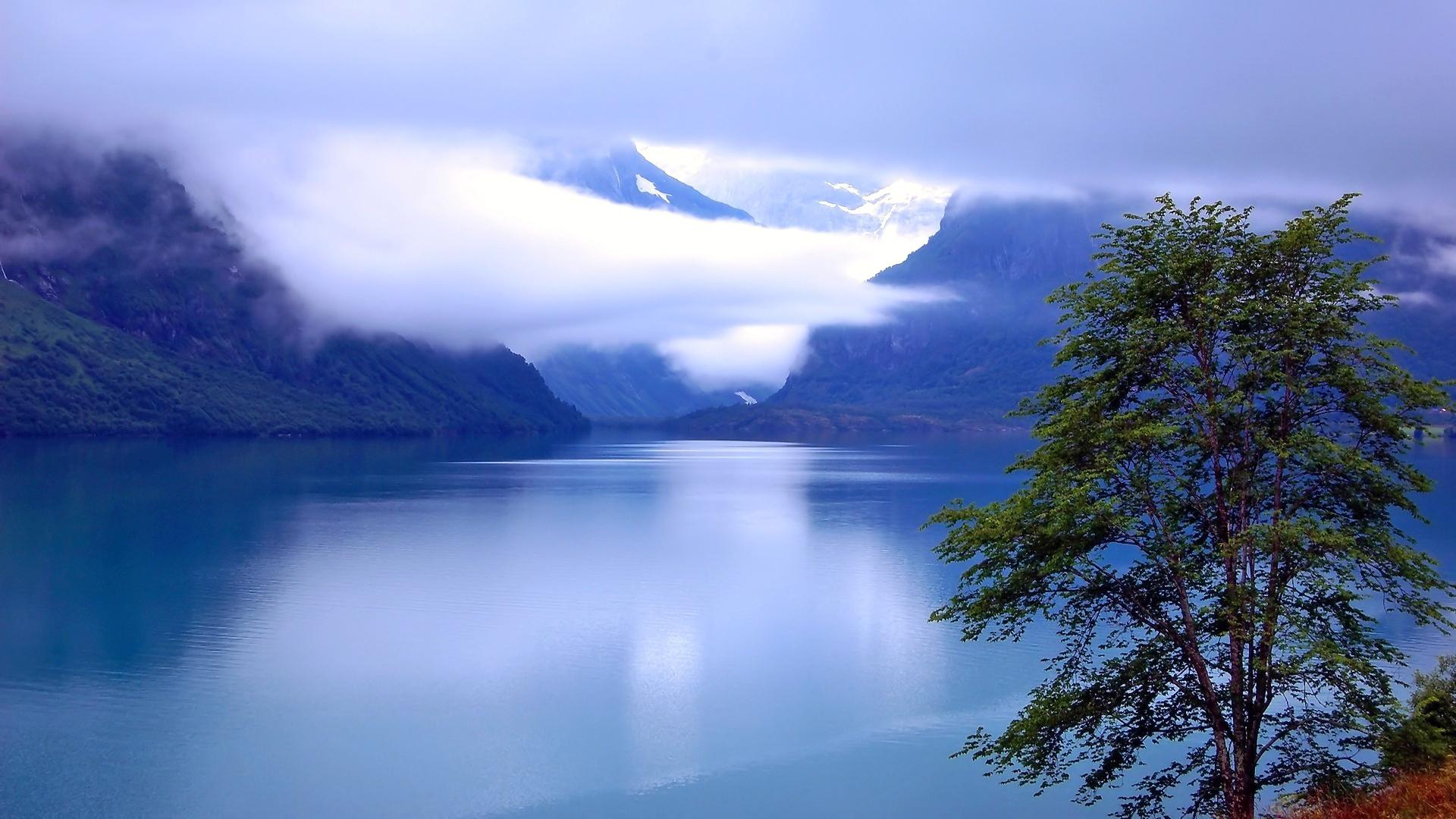 туман в горах1  № 394529 бесплатно