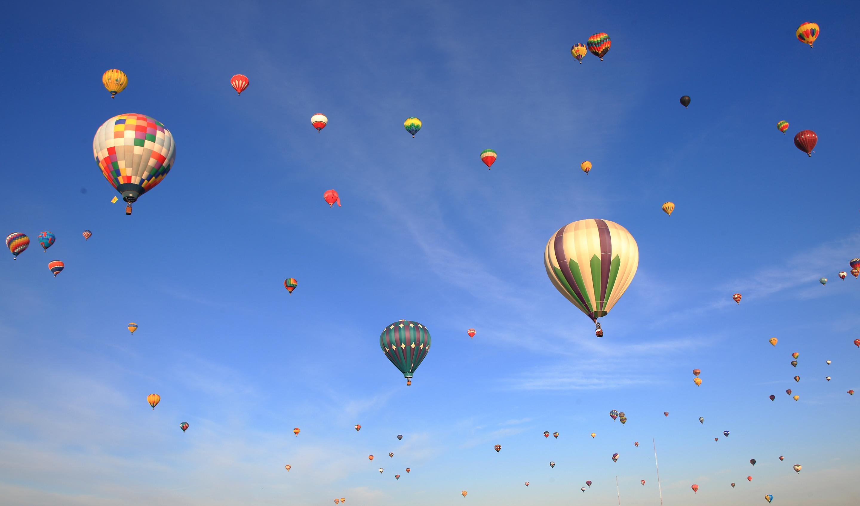 крупных картинка с летающими шарами они тебе