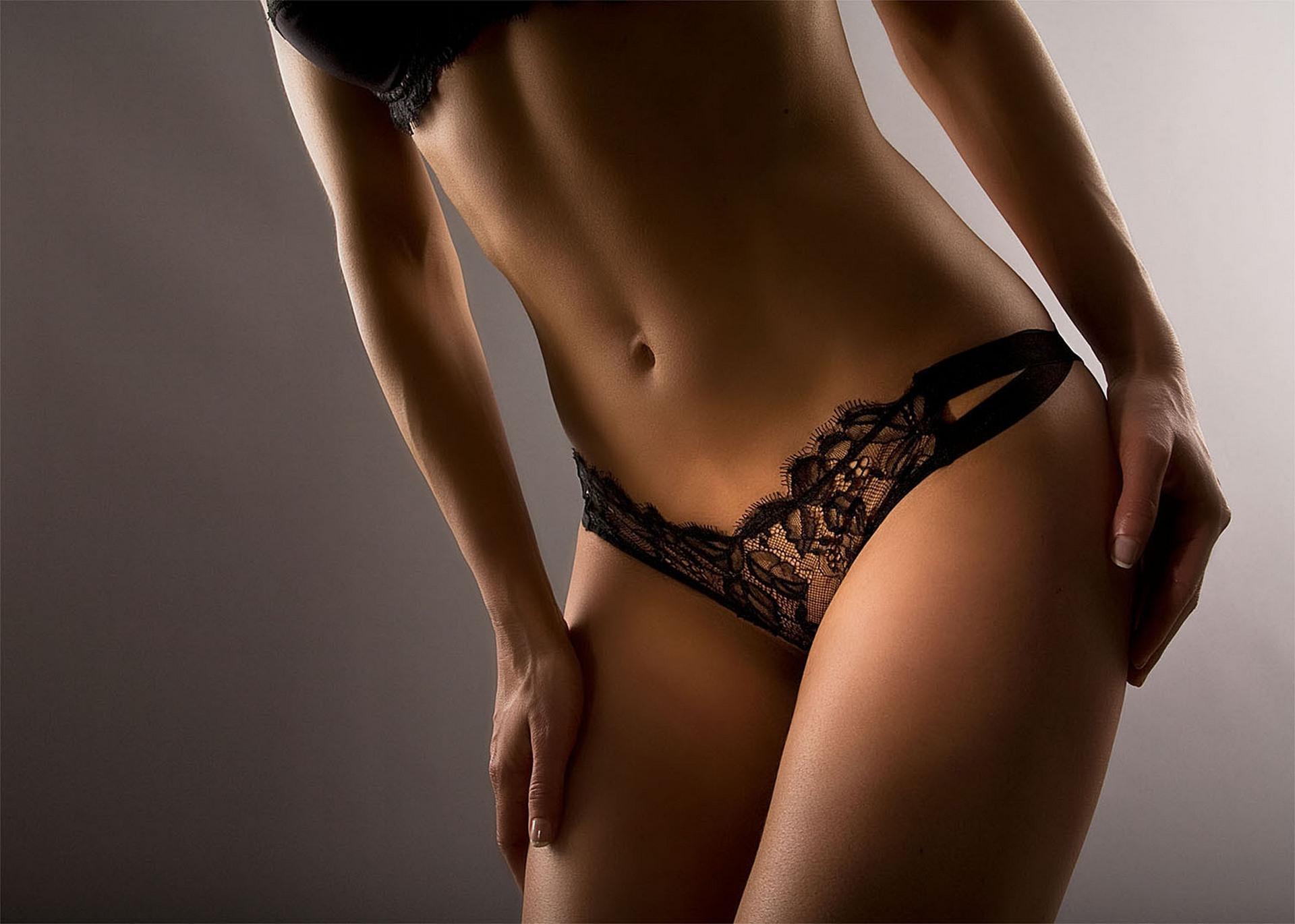 Бутончик женского тела фото блондинки порно