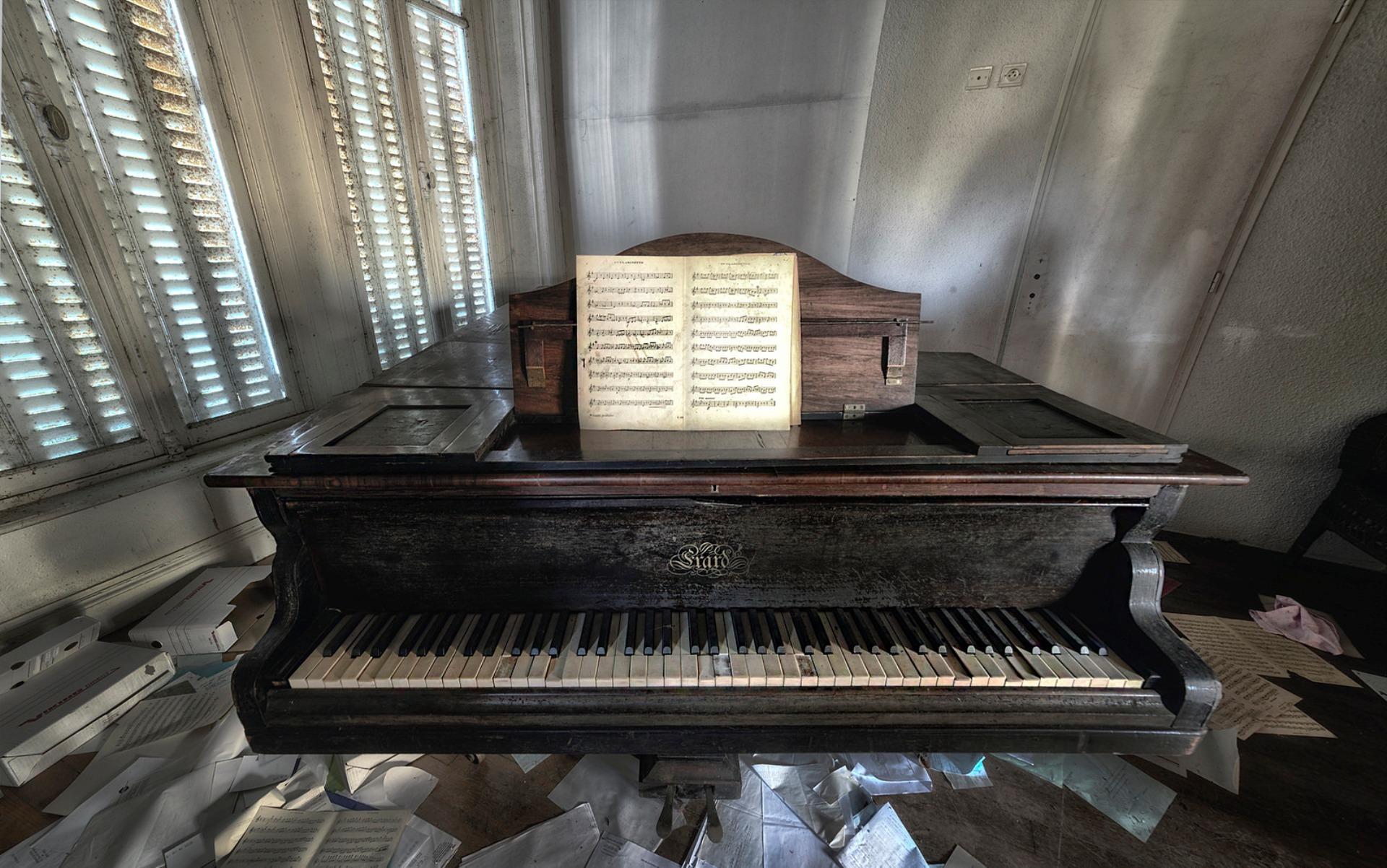 картинки на фон пианино героический