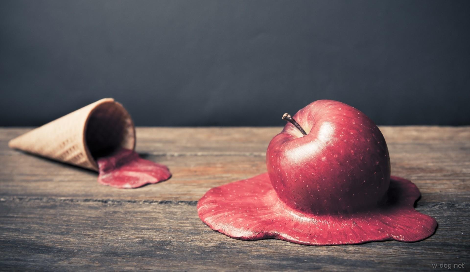 футурамы картинка гнилое яблоко внутри сих пор