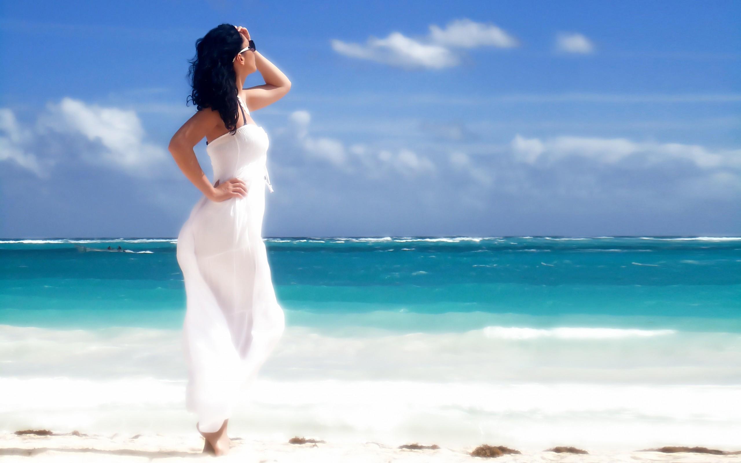 фото женщин на берегу моря фото бесплатно 11