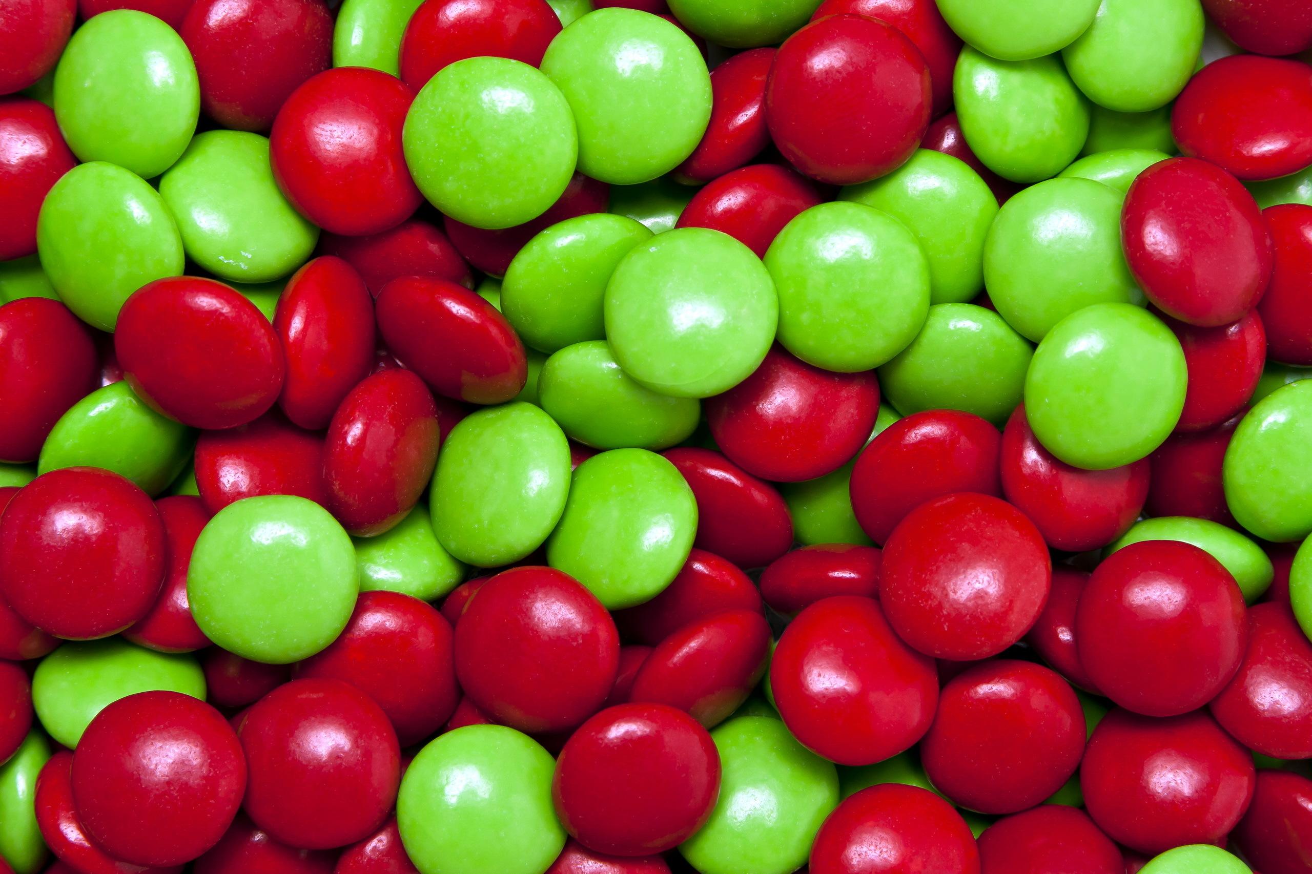 девушка картинка конфетка переплетение красного с зеленым лучшей