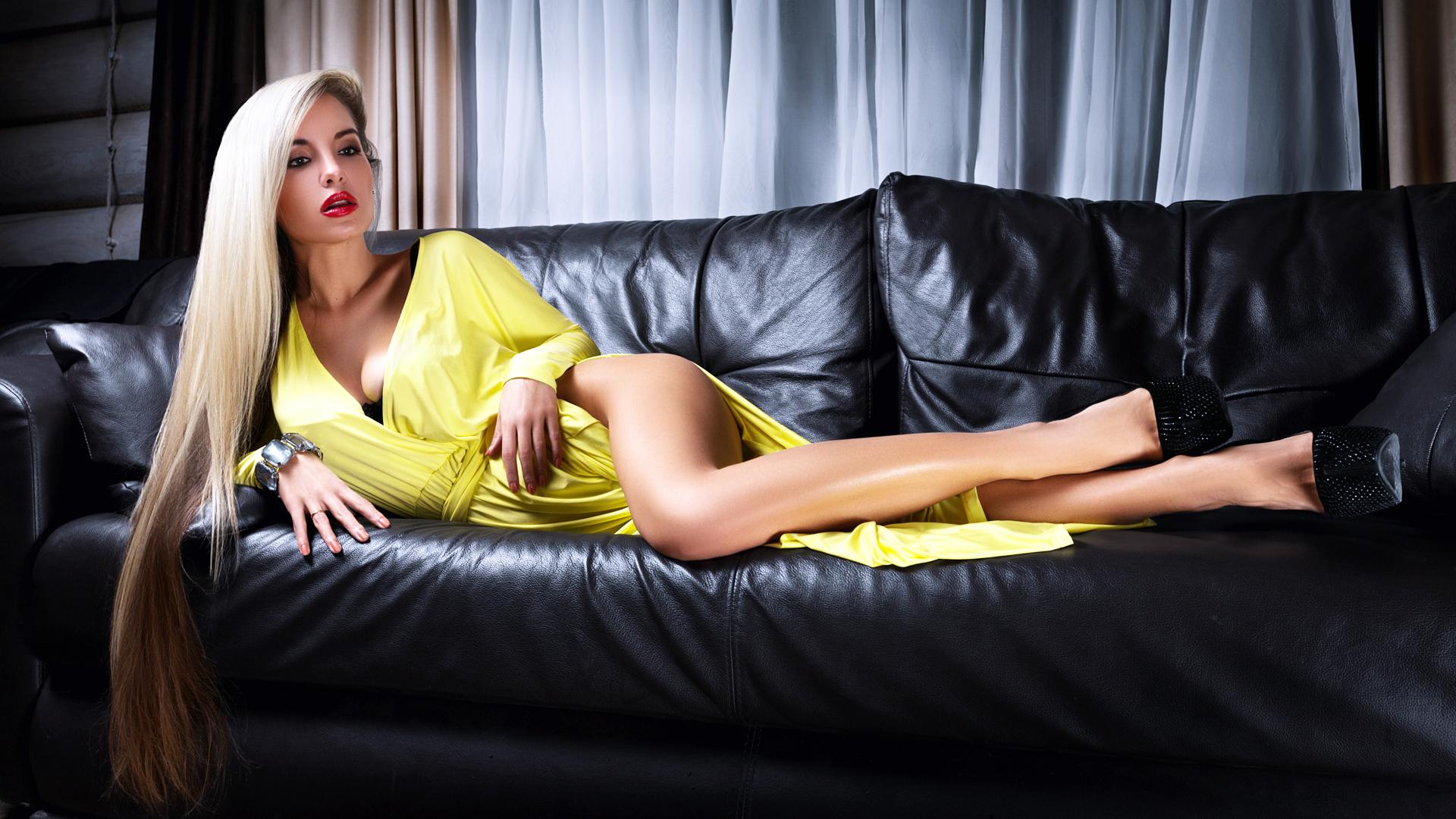 analnoe-porno-s-hudoy-blondinkoy