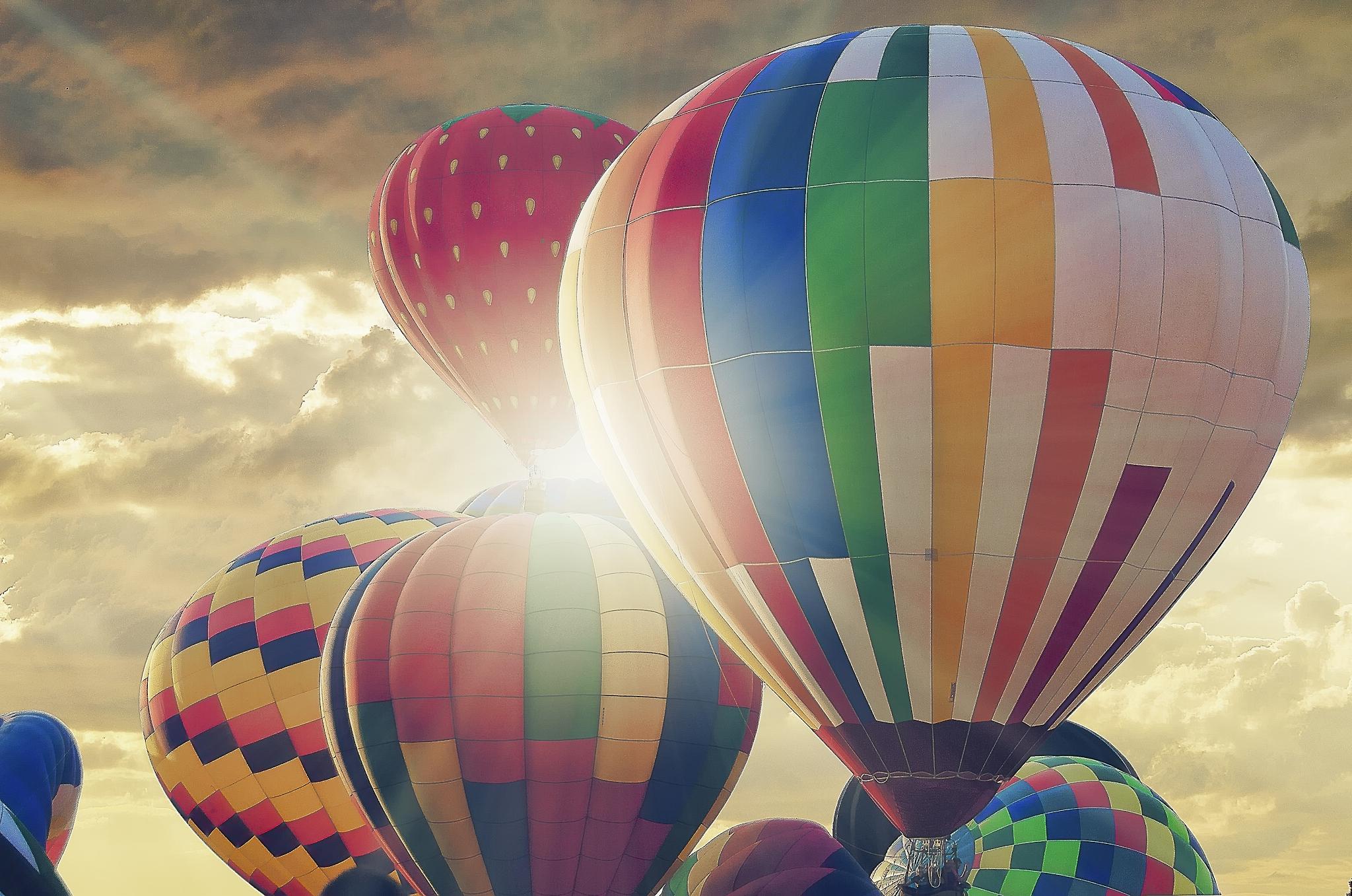 Картинки на рабочий стол воздушные шары марионетки заключается