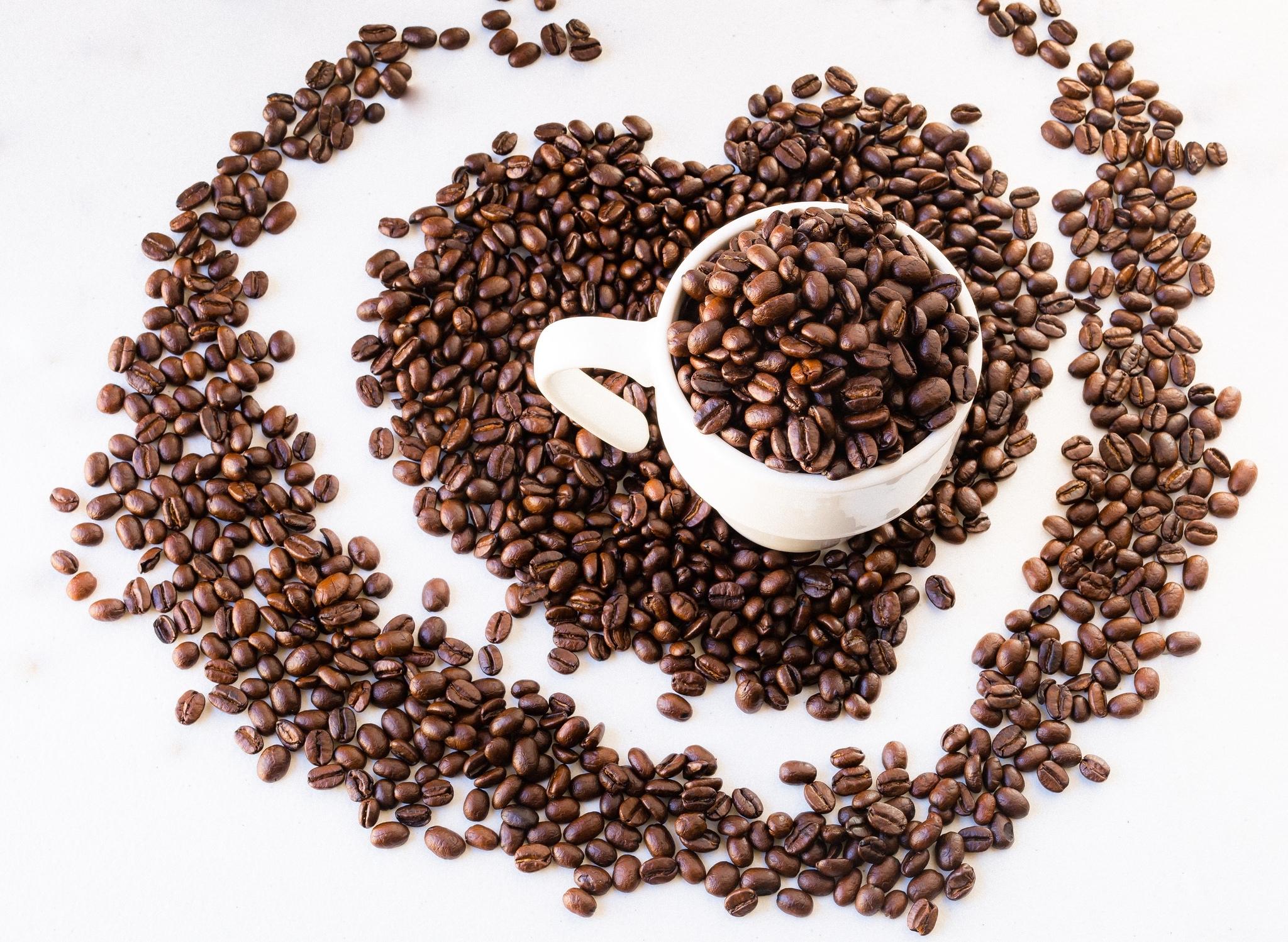 Зерновой кофе и кофе картинки