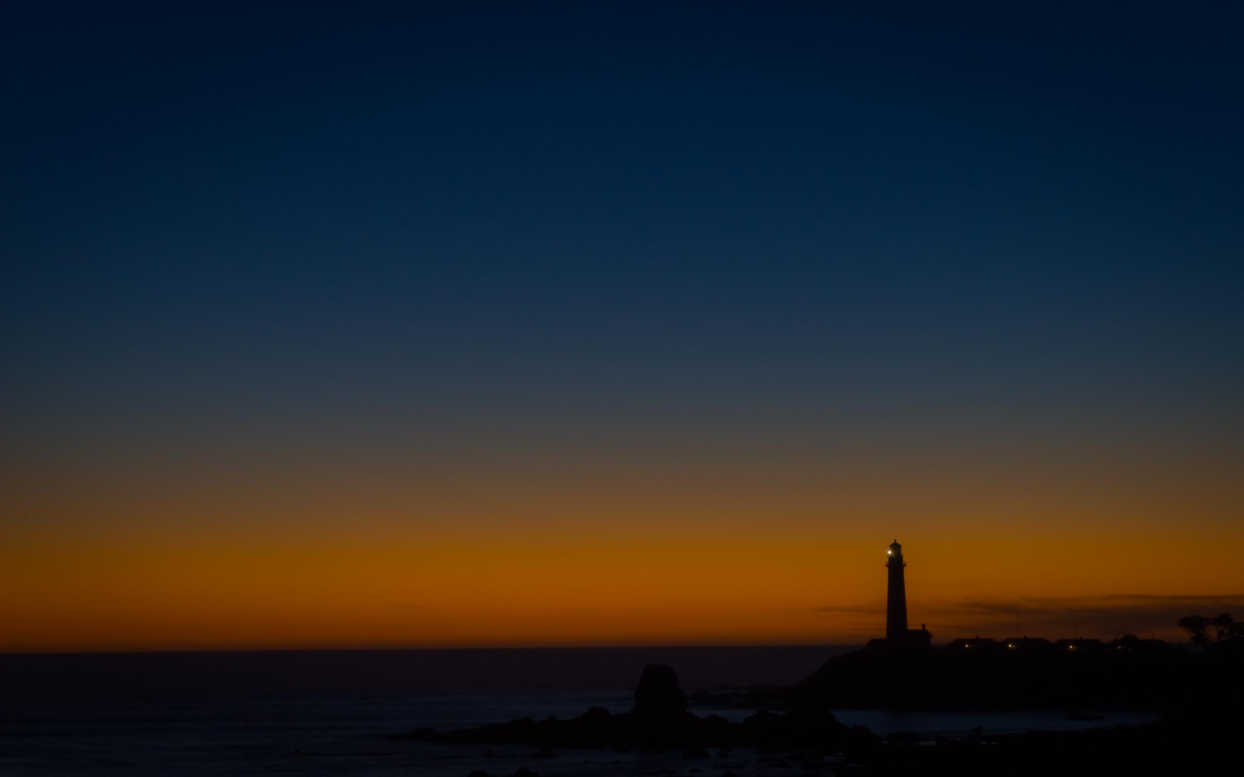 lighthouse at night - HD2560×1600