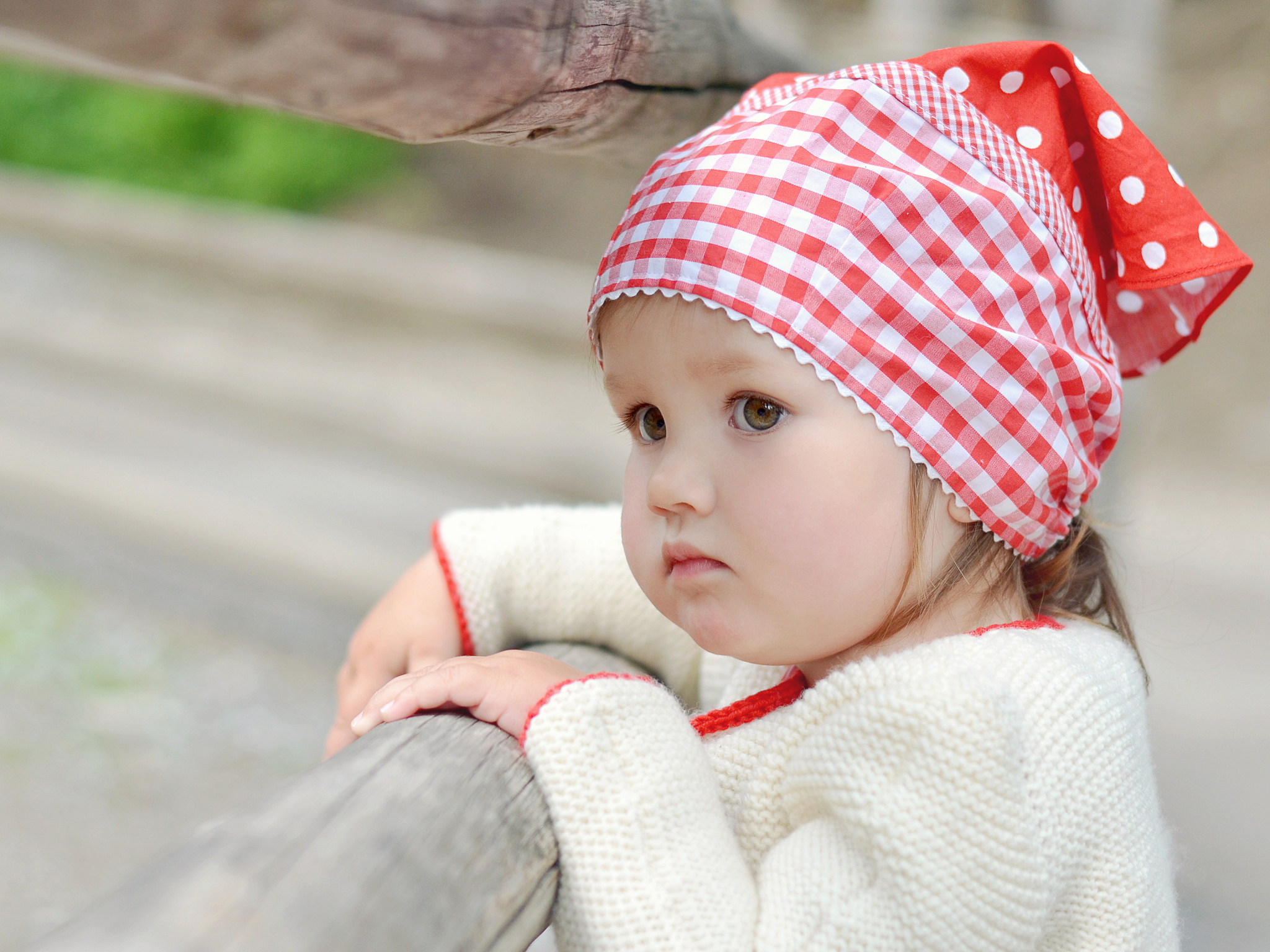 100 Beautiful Baby Photos To Brighten Up Your Day - pxleyes Cute and lovely baby photos