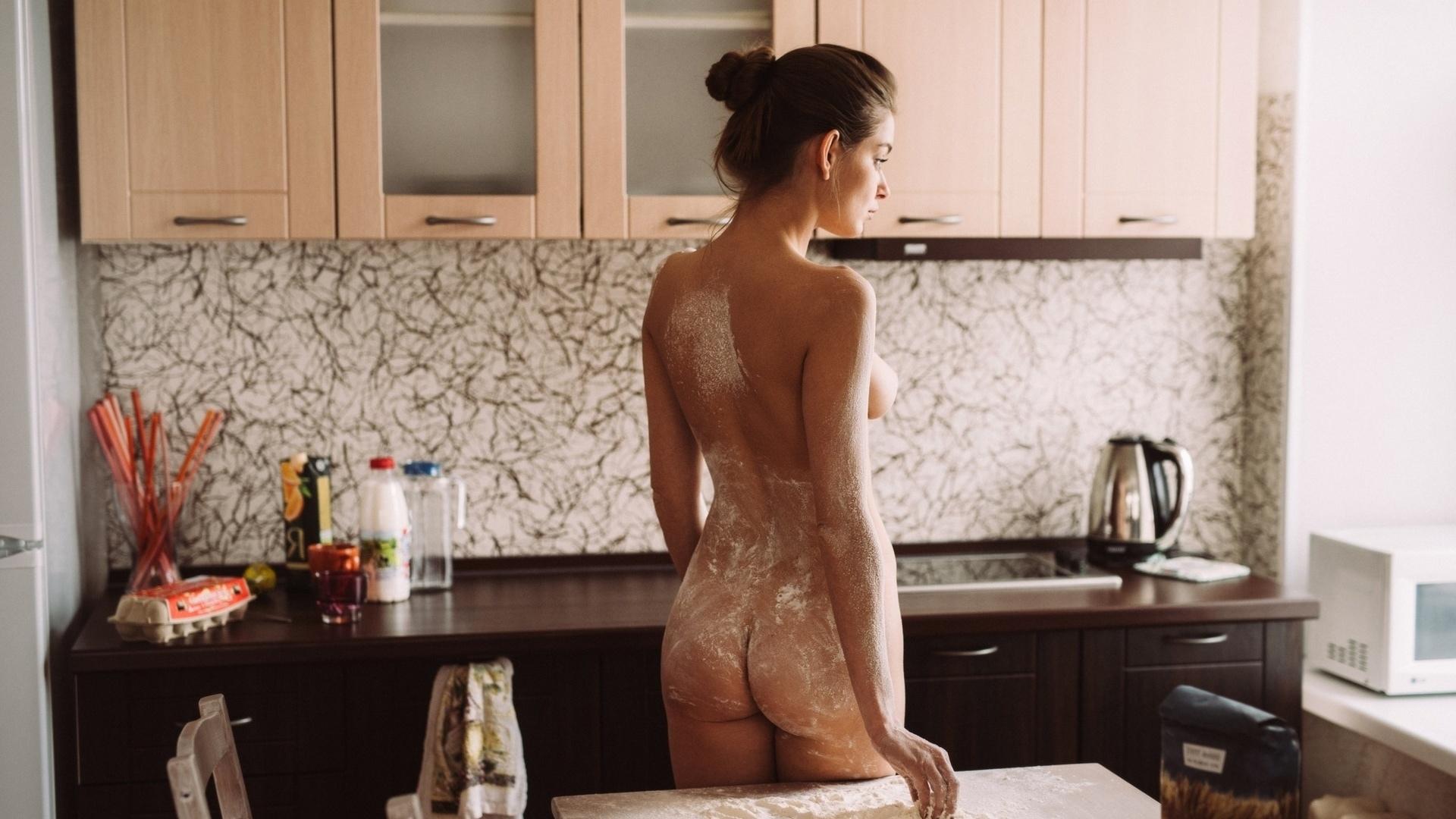 Секс на кухне и в муке, Секс на кухне - Реальный top жаркого порно на кухне! 18 фотография