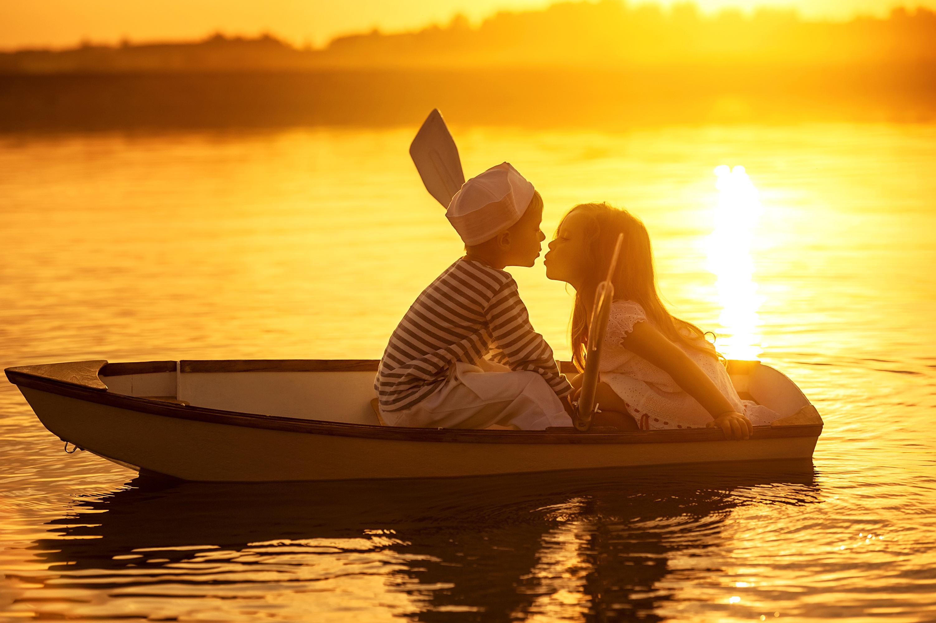 были и лодка и море минус