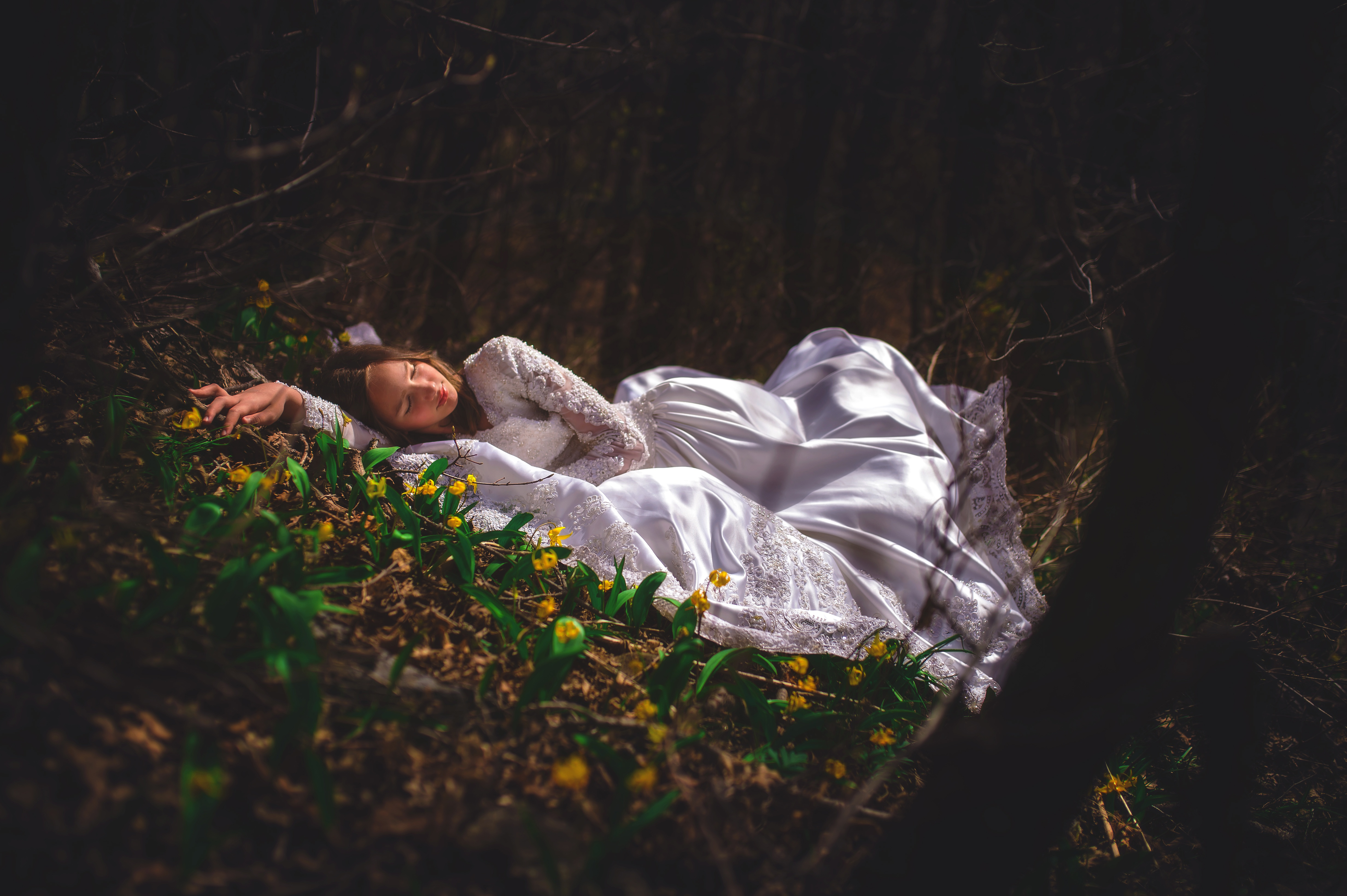 также фотосессия со спящим цвет мочи