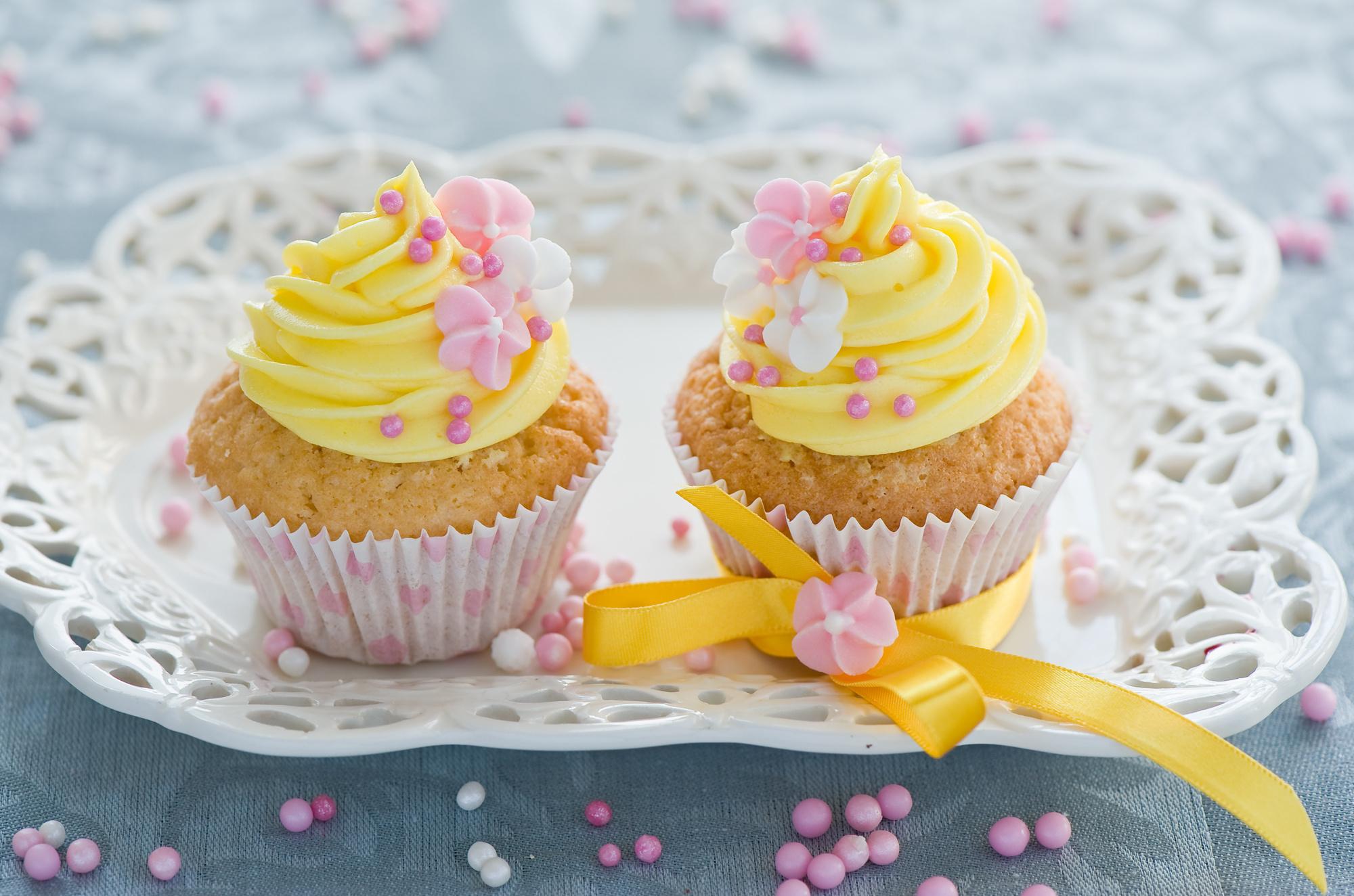 красивые картинки с днем рождения с пирожным видела