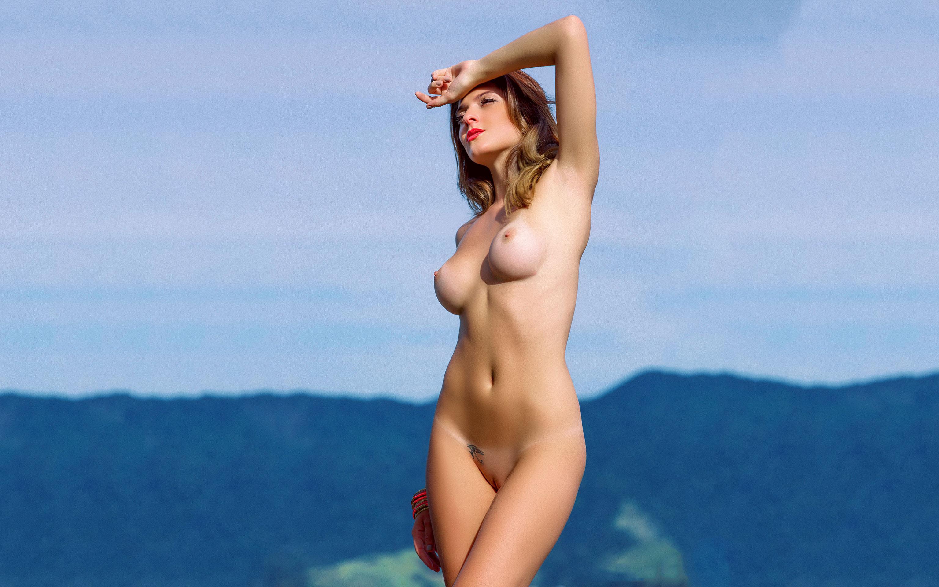 голые девки онлайн