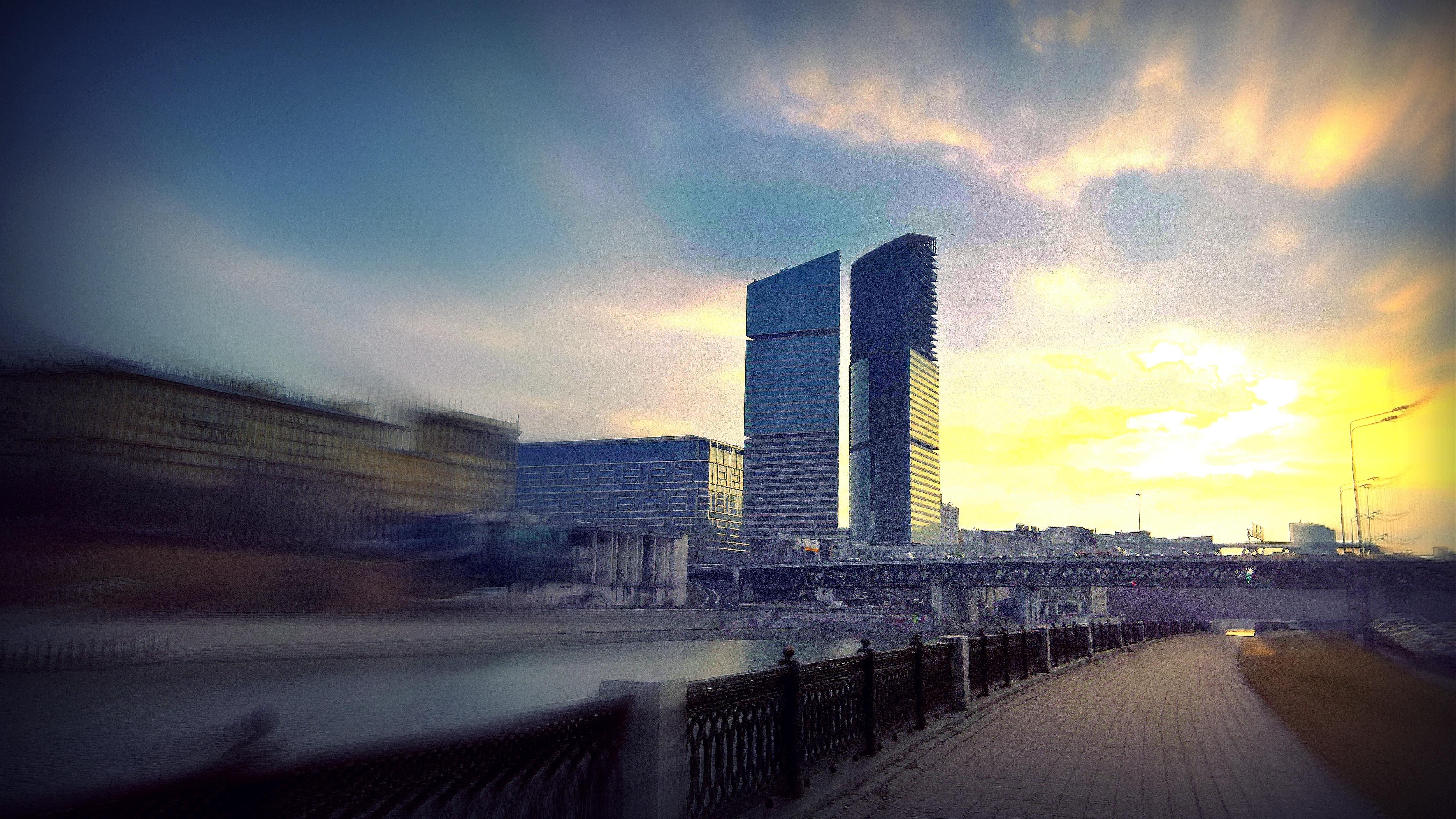 Обои Облака, здания, набережная, красота. Города foto 16