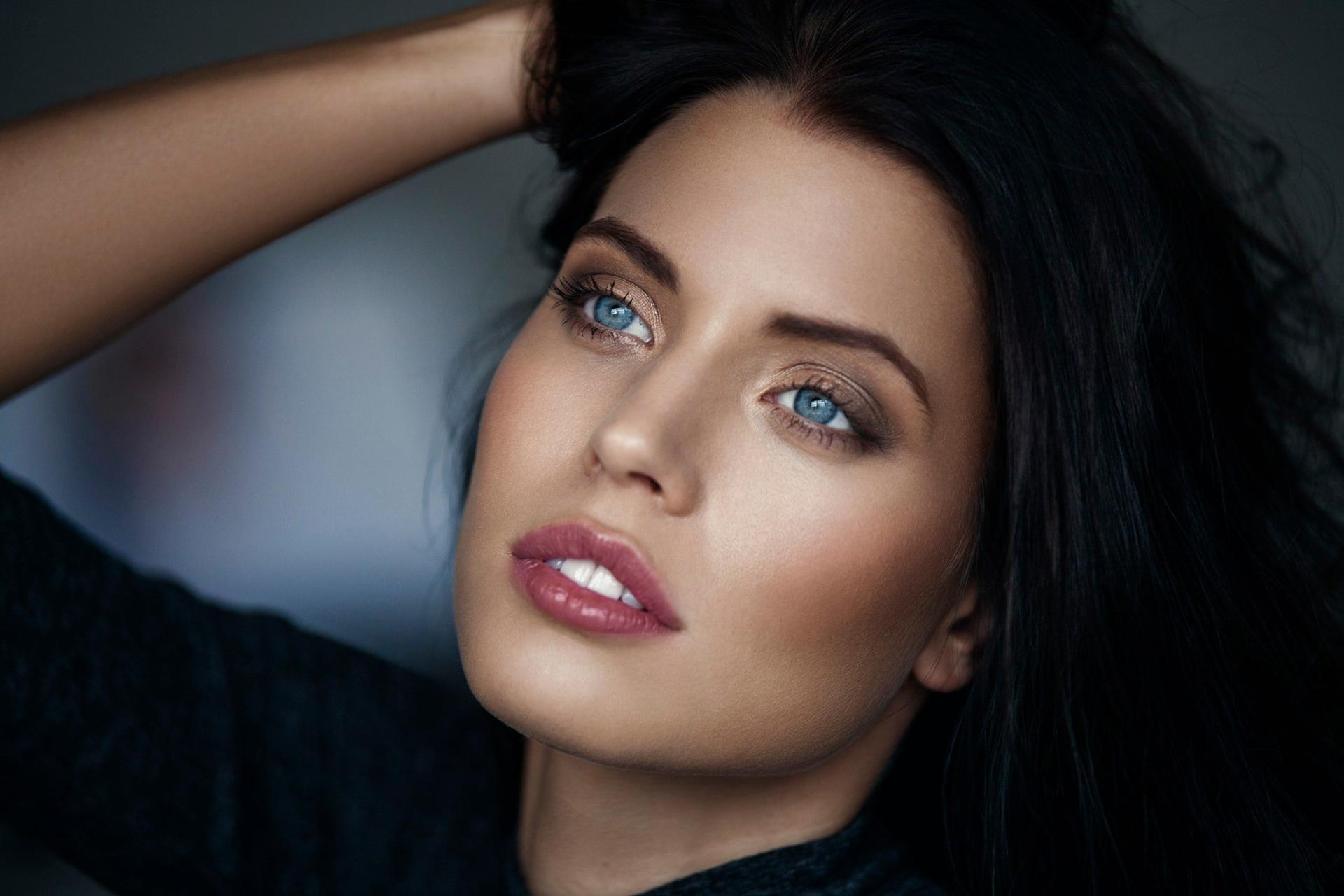 уздечка для модели с зелеными глазами фото лучевая терапия после