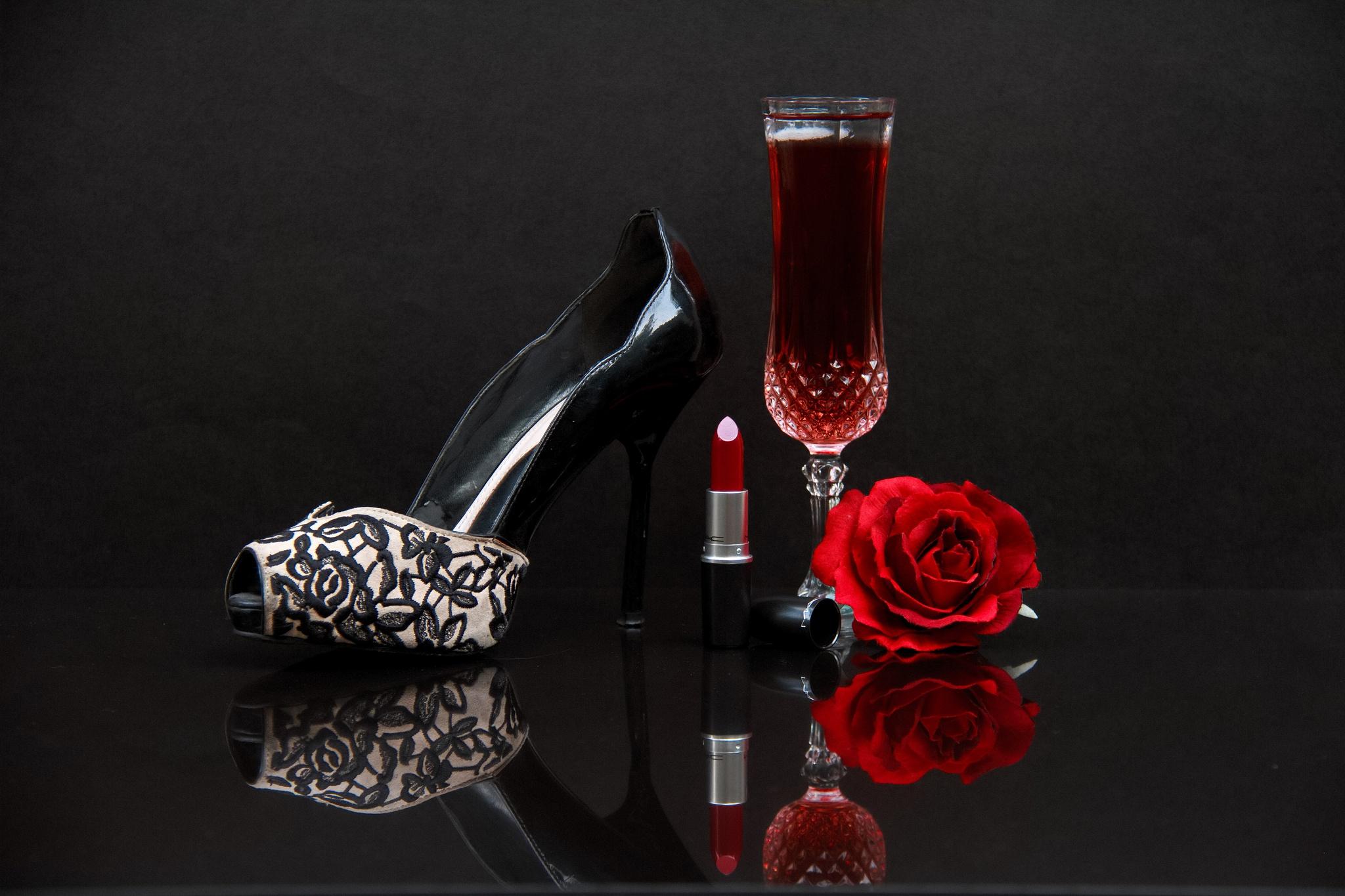 пиром красивые картинки вино и роза на столе дома проблемы