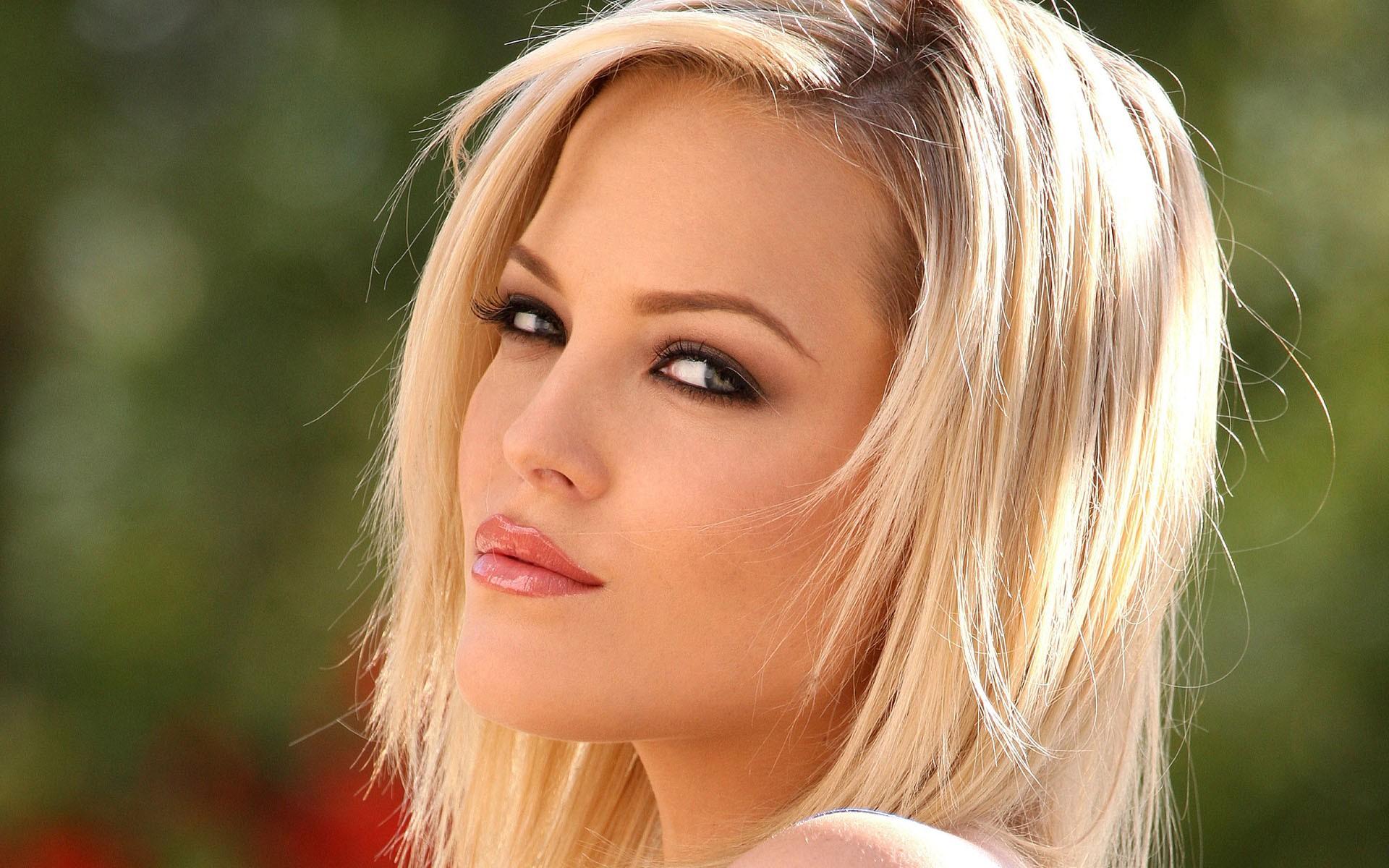 порноактрисы блондинки фото