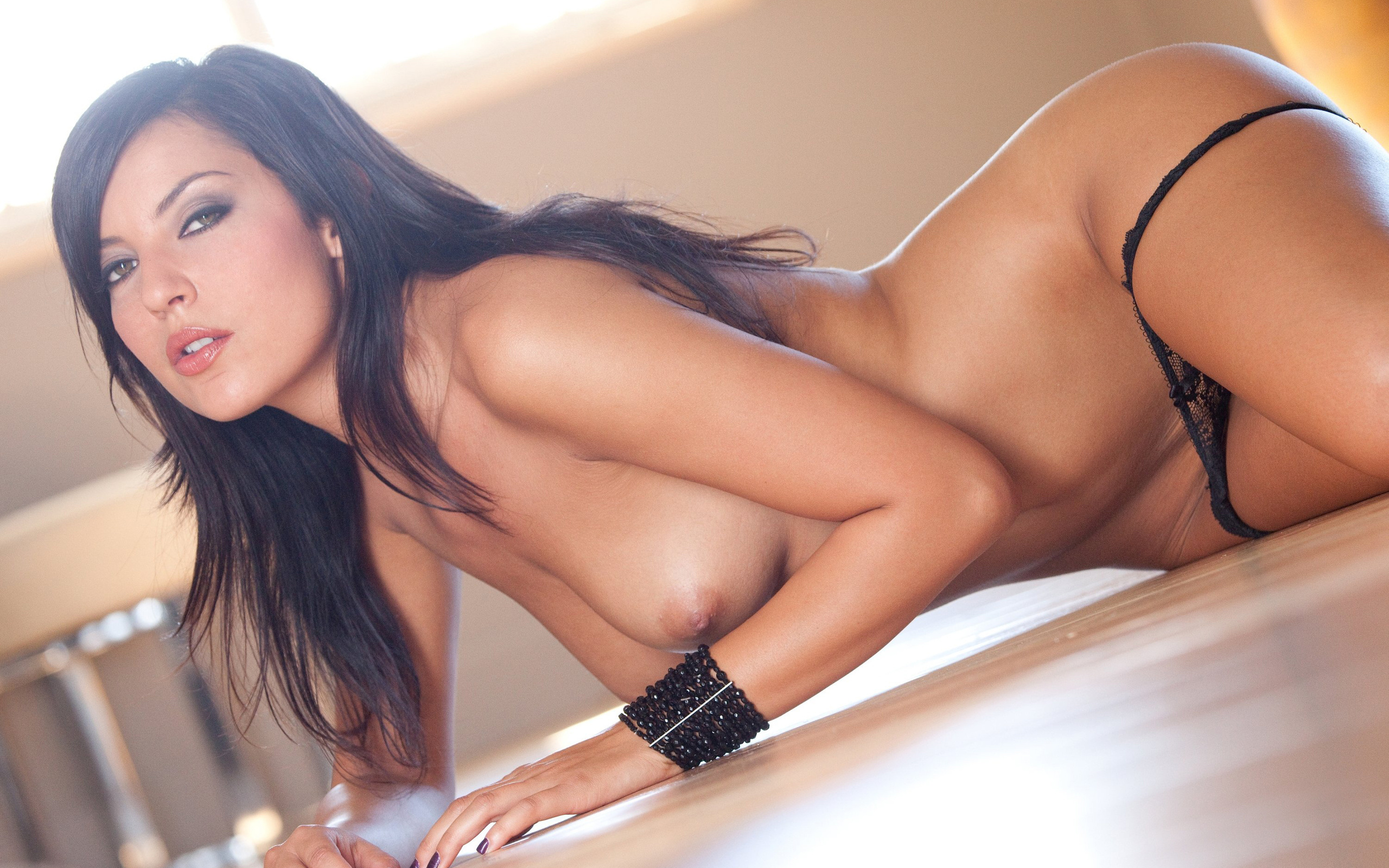 Эротичные брюнетки красивые, Голые брюнетки - фото обнаженных брюнеток 11 фотография