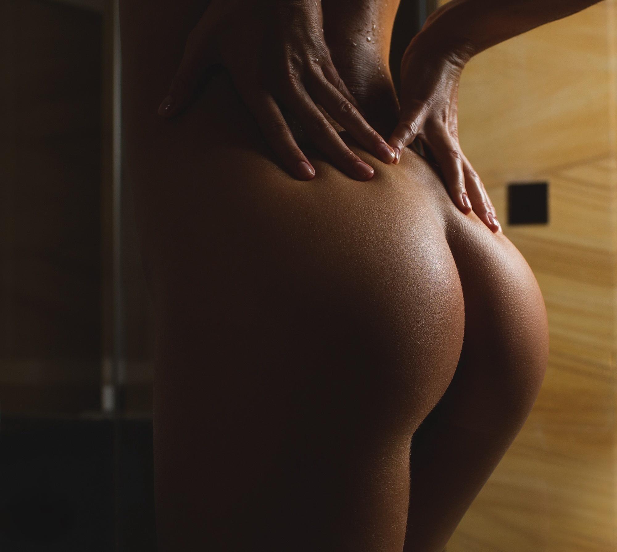 Картинки Фото Голых Девушек Красивых Сзади Попы