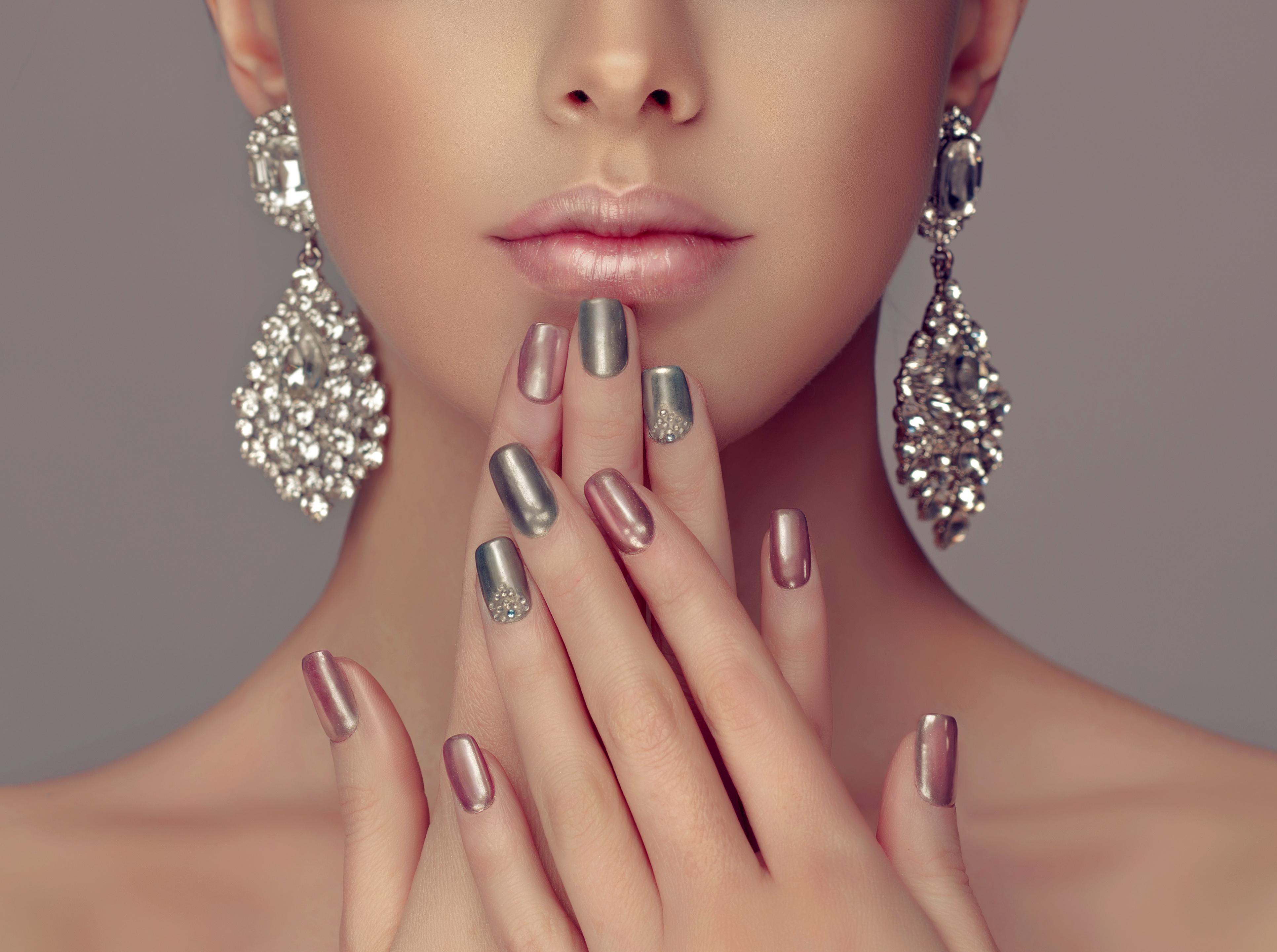 Картинки ногти с девушкой