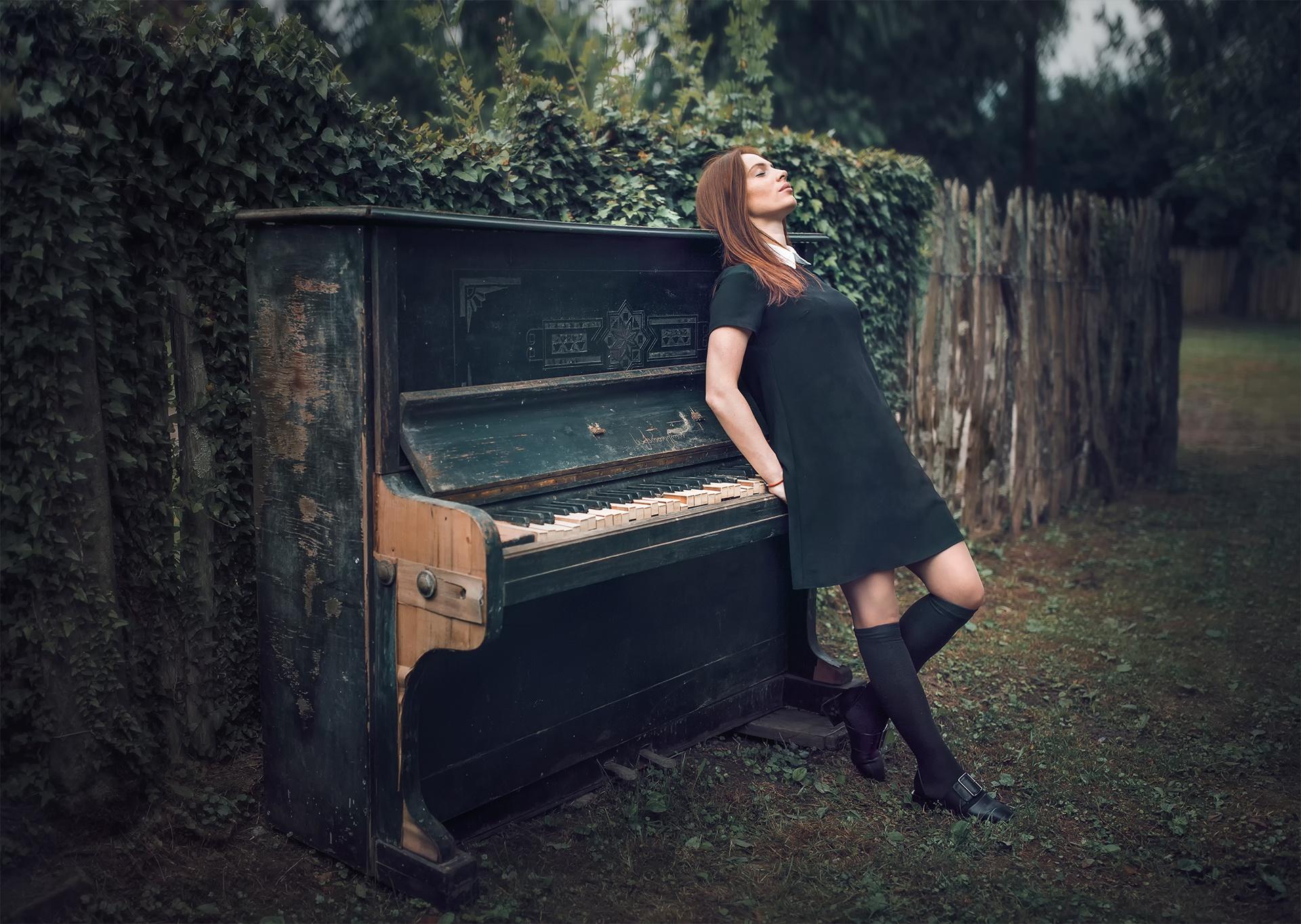 фото с пианино позы магазины