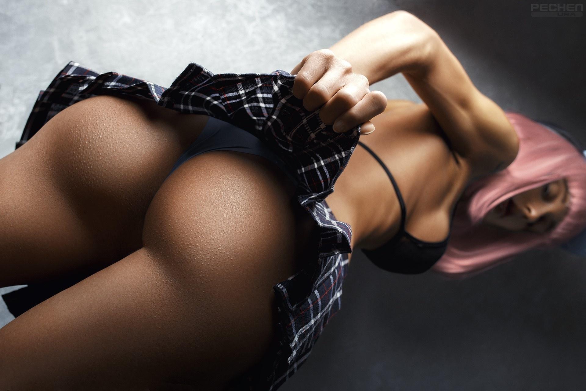 Ruond creamy ass erotic blonde nude