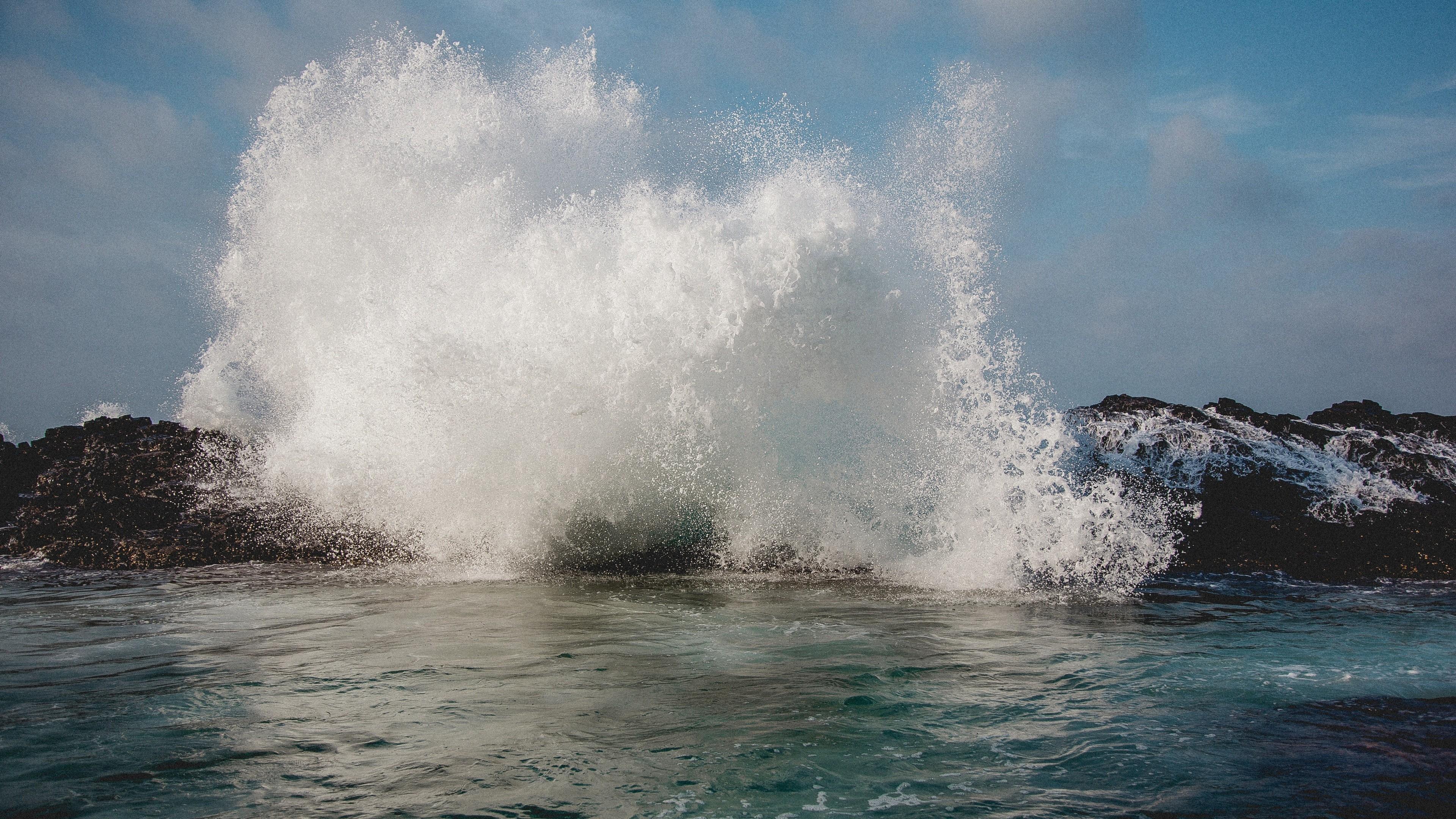 обрезке картинки прибоя волн интерьера продиктованы
