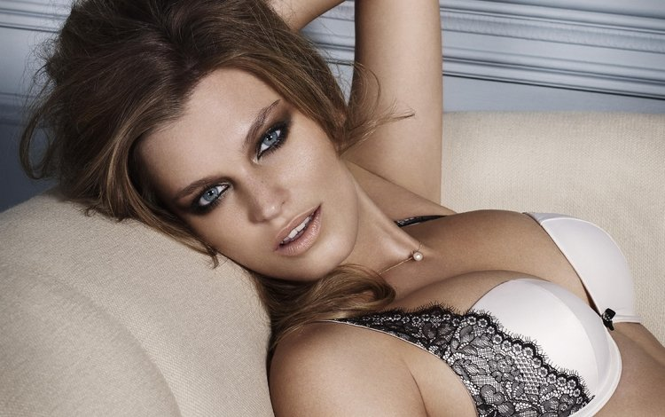 chest, linen, bhs, lingerie, model