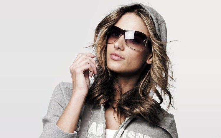 девушка, портрет, взгляд, очки, волосы, лицо, макияж, алессандра амброcио, girl, portrait, look, glasses, hair, face, makeup, alessandra ambrosio