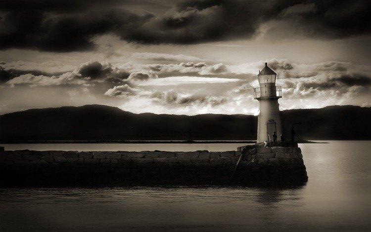 облака, вода, берег, тучи, маяк, чёрно-белое, clouds, water, shore, lighthouse, black and white