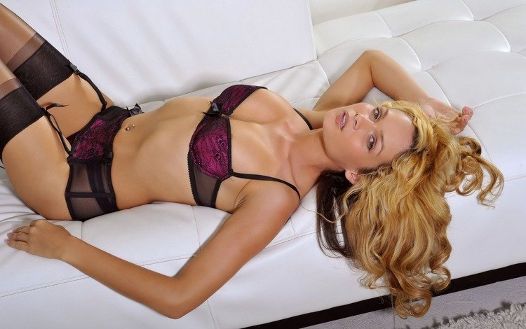блондинка, белый, черное, диван, белье, blonde, white, black, sofa, linen