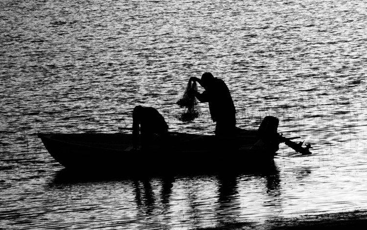 вода, люди, черно-белая, лодка, рыбалка, water, people, black and white, boat, fishing