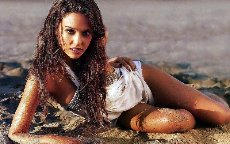 girl, sand, beach, actress, jessica alba
