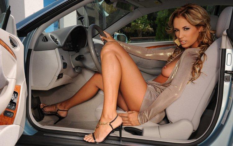 голые девушки фото и авто