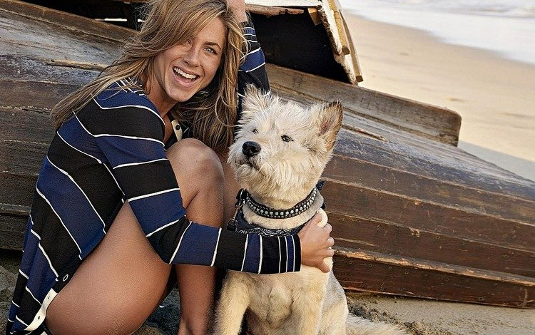 улыбка, пляж, собака, лодка, смех, дженифер энистон, smile, beach, dog, boat, laughter, jennifer aniston