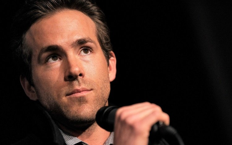 microphone, look, actor, face, male, ryan, reynolds, ryan reynolds, reynolds reynolds, interview