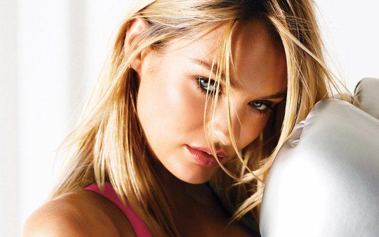 глаза, кэндис свейнпол, девушка, боксерские перчатки, блондинка, портрет, модель, волосы, губы, лицо, eyes, candice swanepoel, girl, boxing gloves, blonde, portrait, model, hair, lips, face