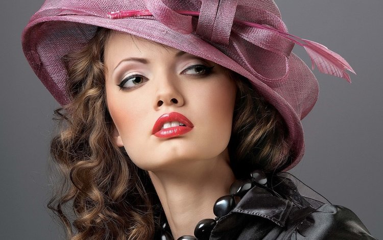 девушка, лицо, бусы, макияж, шляпка, шатенка, девушка в шляпке, girl, face, beads, makeup, hat, brown hair, the girl in the hat