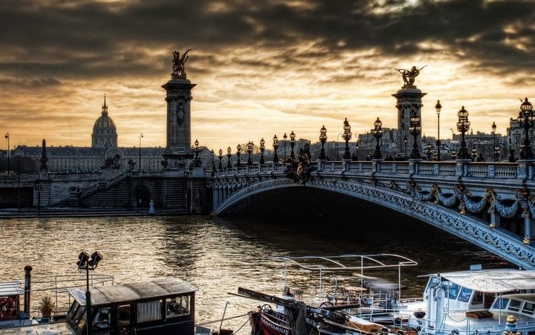 небо, река, мост, город, катера, пасмурно, the sky, river, bridge, the city, boats, overcast
