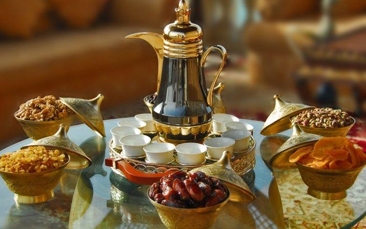 орехи, восточные сладости, фрукты, азербайджанский чай, кофе, финики, стол, тарелки, чайник, чашки, сервировка, nuts, oriental sweets, fruit, azerbaijani tea, coffee, dates, table, plates, kettle, cup, serving
