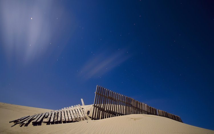 небо, ночь, звезды, песок, забор, the sky, night, stars, sand, the fence