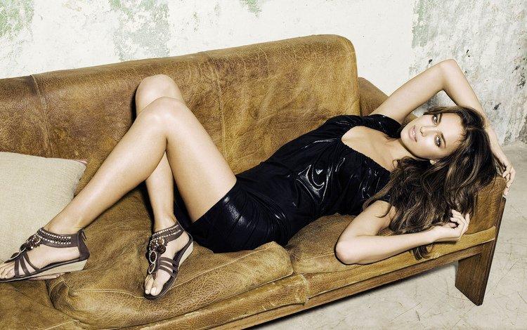 модель, красотка, на, ирина шейк, диване, model, beauty, on, irina shayk, the couch